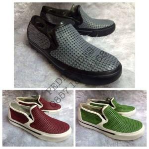 harga Sepatu Anti Basah Crocs CrosMesh Summer Shoe (GROSIR dan ECERAN) Tokopedia.com