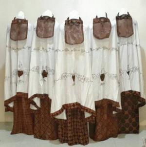 mukena motif batik
