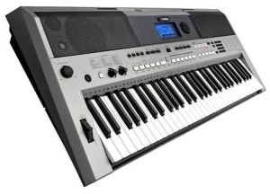 Keyboard Yamaha E443