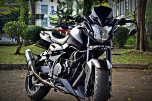 Motor modifikasi streetfighter pulsar 180cc