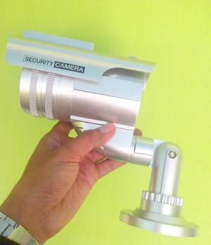 CCTV Dummy Palsu Berkedip Tenaga Matahari