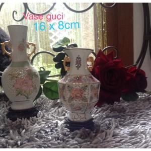 Vase bunga keramik vas guci unik ada tatakan