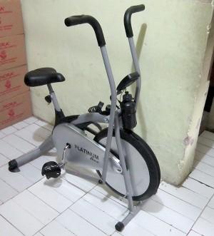 Alat Fitness Sepeda Statis Platinum Bike | Layar LCD Besar