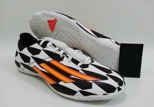 Original Adidas Adizero F5 IN (WC) - Free ID