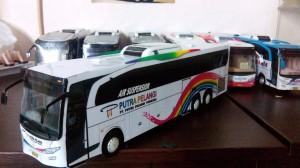 harga Miniatur bus indonesia Tokopedia.com
