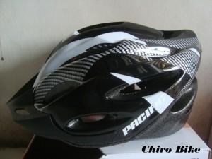 Helm sepeda Pacific 805