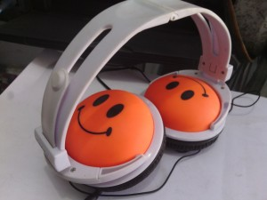 Headphone Cross Smile