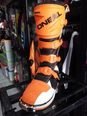 Sepatu Motocross