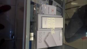 powerbank vivan b5 5000mAh super slim garansi resmi 1 tahun .
