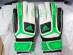 harga Sarung Tangan Kiper,Bola,Gloves Adidas Predator Putih Hijau Grade Ori Tokopedia.com