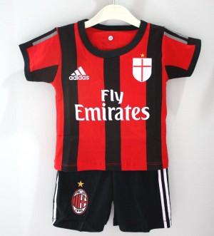 Setelan Bola AC Milan Anak