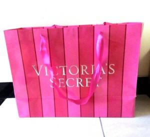 "Shopping Bag ""VICTORIA SECRET"" / Tas Kado Kertas/Karton / Tas Belanja"