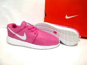 Sepatu Nike Rosherun wanita jogging Olahraga