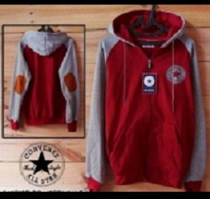 Sweater Converse Merah