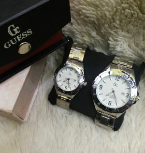 Guess collection 3075 couple with date