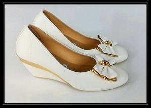 sepatu kerja pantofel putih