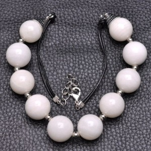 """ADJUSTABLE 20 3/8"""" - 18 5/8"""" NATURAL WHITE TRIDACNA SHELL NECKLACE"""
