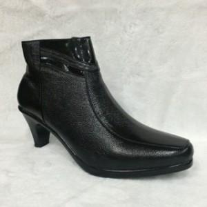Sepatu Boot Kulit Wanita Charlie Walker
