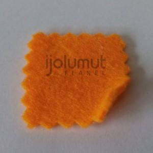 Bahan Kreasi Kerajinan Kain Flanel A21 Orange Muda