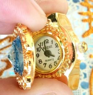 Jam Tangan Cincin Unique GOLD