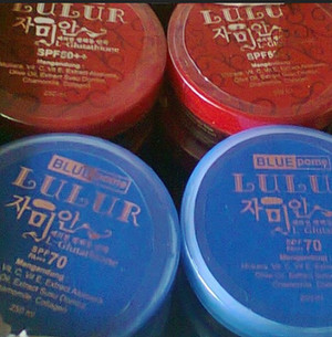 LULUR RED AND BLUE POME