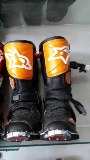 harga sepatu cross lokal merk RNL Tokopedia.com