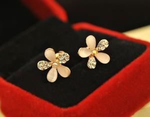 Anting | 18K Gold Plated White Cherry Blossom Earrings
