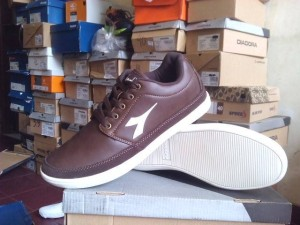 Sepatu Casual DIADORA SAVERO Darkbrown Original