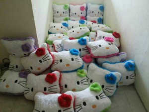 Bantal Hello Kitty Grosir