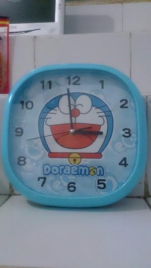 Jam Dinding Doraemon, Jam Dinding Hello Kitty