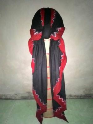 Blangkon Jawa Hitam List Merah Koncer 75cm