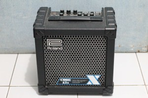 harga Guitar Amplifier: Roland Cube-15X Tokopedia.com