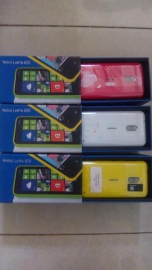 harga Hp baru garansi resmi setahun nokia lumia 620 2kamera bisa BBM Tokopedia.com