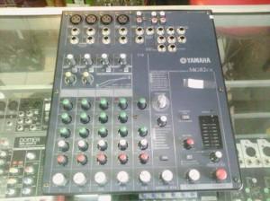 mixer audio yamaha 8 ch MG-82cx