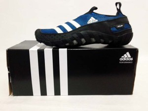 harga Sepatu Adventure Adidas Jawpaw II V23077 Blue Black Tokopedia.com