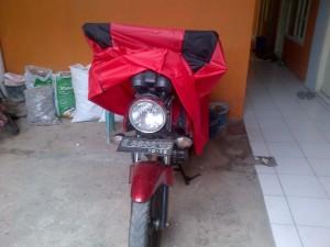 selimut body cover motor laki/sport warna merah