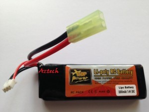 Zop Power 2200mAh 25C (2 Cell 7,4V) bentuk kotak dengan mini tamia