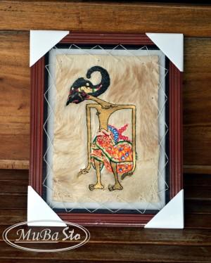 Lukisan Wayang Pandawa HARJUNA / JANAKA 35 x 45 cm2 Kulit Kambing ASLI