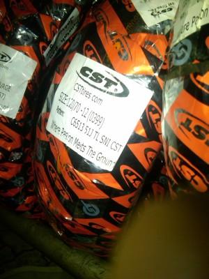 BAN LUAR SCOOTER ,PIAGGIO ,KYMCO ,SYM Merk CST tipe C6513 uk 120/70-12