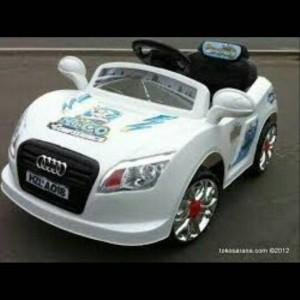 Mobil Aki mainan Pliko 6700 Audi
