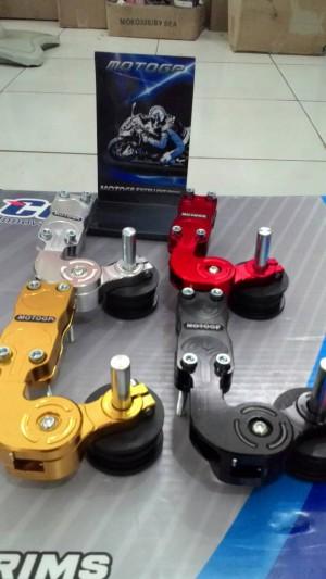 Stabiliser Penahan Rantai Vixion Motor Sport Full CNC MOTO GP
