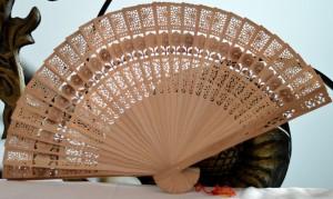 harga Kipas ukir Bali kayu Bambu ebony cendana nari souvenir tari tangan Tokopedia.com
