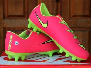 Sepatu bola Anak ,kids,sport,olahraga Nike Mercurial Bola Pink