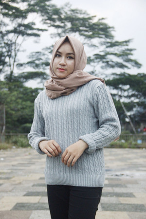 lycra knit cable grey