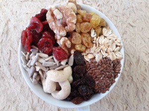 Healthy Granola Mixed C 500 gram ( Walnut , Mete , Cranberry , Oat )