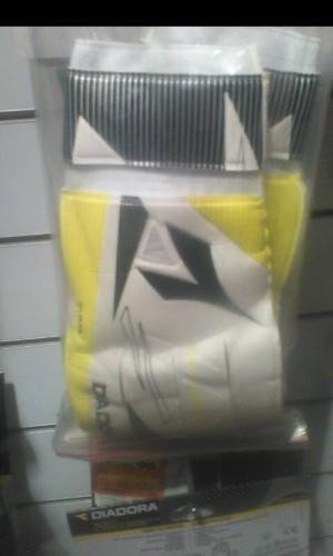 Sarung tangan kiper Diadora original