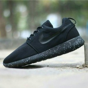 designer fashion e35be cb60c netherlands nike roshe run black and white sepatu a9344 f4b4f