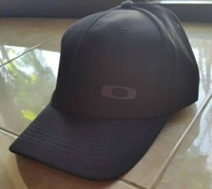 harga Topi Oakley Silicon Fitted Black Cap Original Tokopedia.com