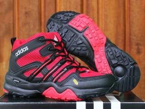 harga sepatu running/olahraga/lari/senam/fitnes/gunung Adidas Terrex High Tokopedia.com