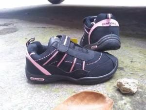 Sepatu anak DIADORA VITORIA black original